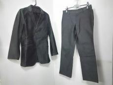 アダムエロペのメンズスーツ