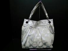 COACH(コーチ)のパーカー シグネチャー コンバーチブル ヒッピーのハンドバッグ