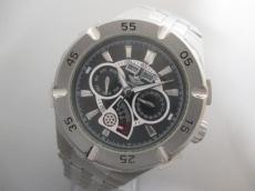 ドミニクの腕時計
