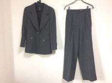 イグネスのレディースパンツスーツ