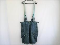 バランスウェアデザインのジーンズ