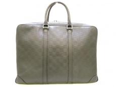 LOUIS VUITTON(ルイヴィトン)のポルトドキュマン・ヴォワヤージュのビジネスバッグ