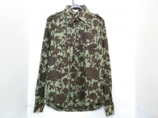 パロッシュのシャツ