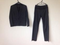 フルネルソンのレディースパンツスーツ