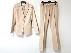 ラストシーンのレディースパンツスーツ