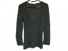 ピュリフィエのセーター