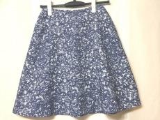 ピュリフィエのスカート