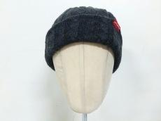 アップルバムの帽子