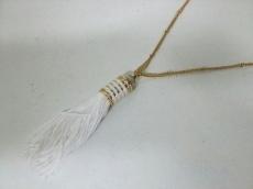 エディボルゴのネックレス