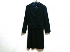 ヌークのワンピーススーツ