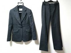 ロイスクレヨンのレディースパンツスーツ