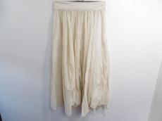 マルケスアルメイダのスカート