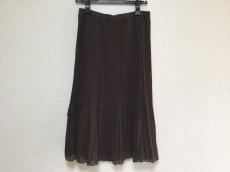 エバンピコネのスカート