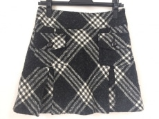 アリシャスのスカート