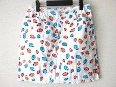 ブルーガールのスカート