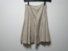 カリエラエバジーレのスカート