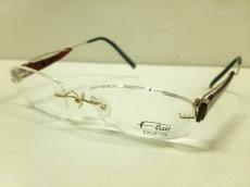 フレアーのサングラス