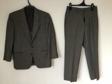 マルセルラサンスのレディースパンツスーツ