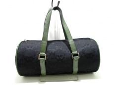 ヘルモスーラのハンドバッグ