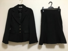 エティックのスカートスーツ
