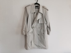 コジャーナのコート