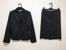 ラグジュエルのスカートスーツ