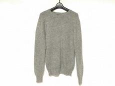 レイジブルーのセーター