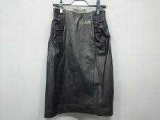 ローゼンファーのスカート
