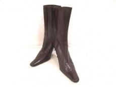 モザイクパーエーボンブのブーツ