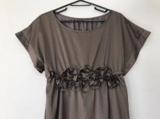 ミンクチェアーのドレス