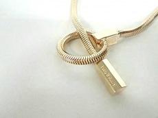 ララボーヒンクのネックレス