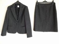 フレディのスカートスーツ