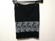 スクルポリのスカート