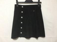 アレクサチャンのスカート