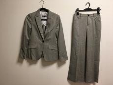 ラ・エフのレディースパンツスーツ