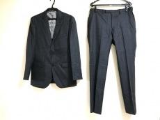 ブラックレーベルクレストブリッジのメンズスーツ