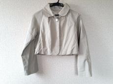 カロリナ グレイサー バイ シェリールのジャケット