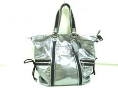COACH(コーチ)のポピー レザー ラージ スポットライトのハンドバッグ
