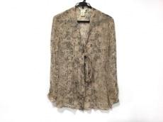 バグッタのシャツブラウス
