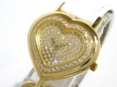 コルムの腕時計