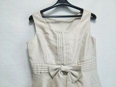 ラバーラのドレス