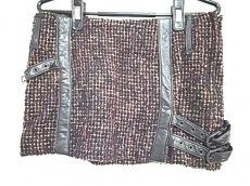 コーラルロエンのスカート