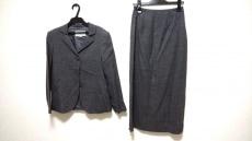 エムマーティンのスカートスーツ