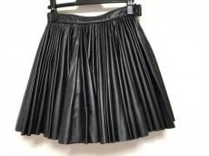 ケーティーゼットのスカート