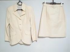 コーガマリコのスカートスーツ