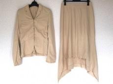 ナオタケコシのスカートスーツ