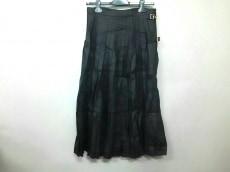 エムズブラックのスカート