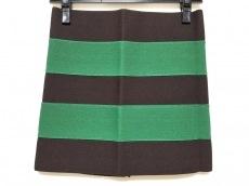 プレジャードゥーイングビジネスのスカート