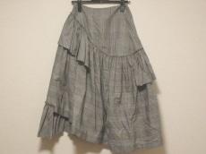 シモーネロシャのスカート