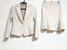 ディアプリンセスのスカートスーツ